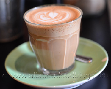 z2 Cafe Latte The Grounds of Alexandria   Breakfast Review