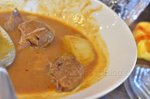 Masamun Beef Curry – Chunky tender beef slowly cooked in thick but mild tasty curry with peanut - $14.90