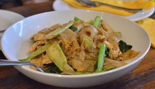 Pad See Ew Chicken – Stir fried rice noodle, egg and Chinese broccoli with black soy sauce Thai style - $13.90