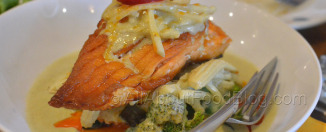 Green Curry Salmon – Grilled salmon top with green curry sauce and mixed vegetables - $18.90