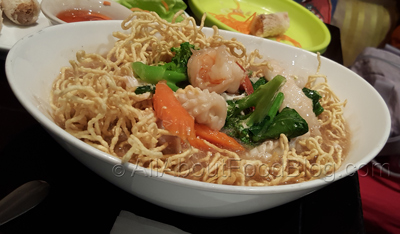 Crispy Egg Noodle in Gravy Sauce with Seafood - $14.80