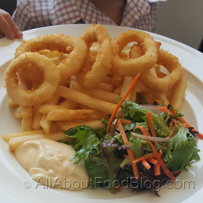 Crispy Fried Calamari and Chips